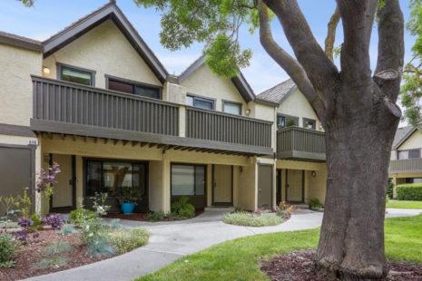 646 S Ahwanee Terrace